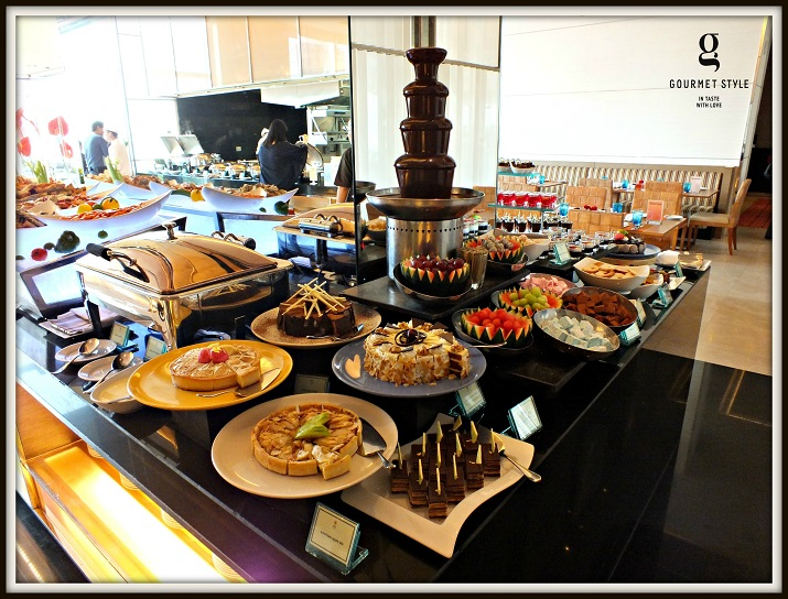 weekend grand buffet the glass house restaurant eastin grand hotel rh gourmetbangkok com grand hotel buffet menu mackinac island grand hotel buffet menu mackinac island