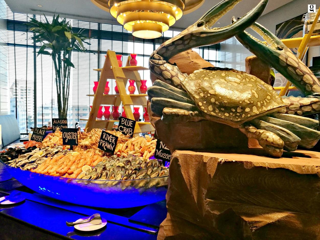 seafood dinner buffet at novotel bangkok ploenchit sukhumvit