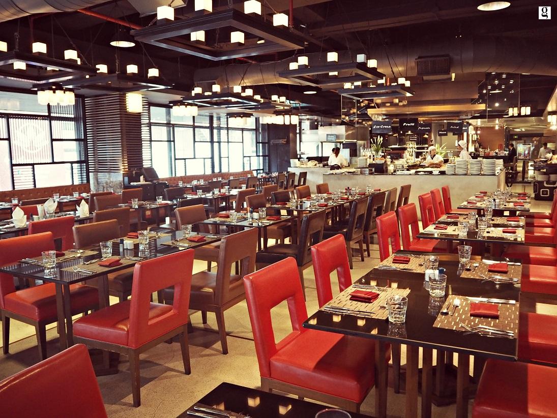 Prawn buffet dinner Novotel Siam Square