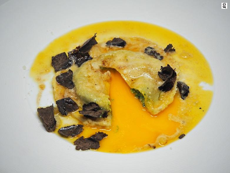 Chef Valentino Marcattilii
