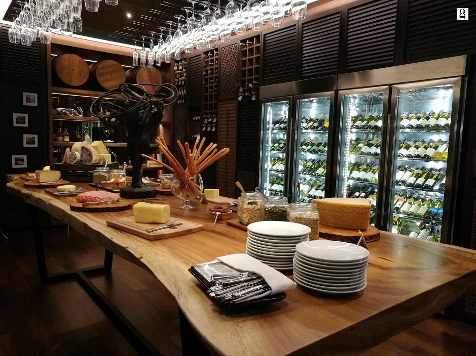 Sunday brunch at Amaya Food Gallery at Amari Watergate Hotel
